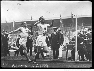 Jean Bouin - Jean Bouin finishing behind Hannes Kolehmainen at the 1912 Olympics