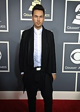 Jonas myrin arriving at grammy award 2013.jpeg