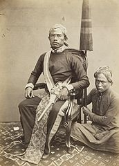 KITLV 408096 - Isidore van Kinsbergen - Regent of Bandung with his pajoeng bearer - 1863-1865.jpg