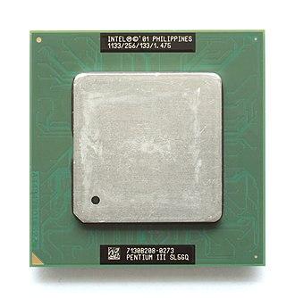 Pentium III - A 1.13 GHz FC-PGA2 Tualatin-256 Intel Pentium III-T.