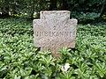Kamp-Lintfort-Soldatenfriedhof Niersenberg 11.jpg