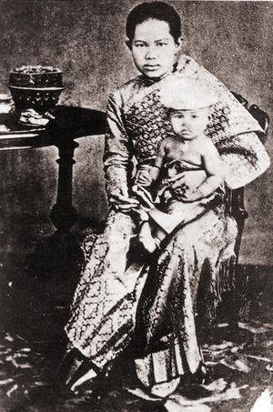 Kannabhorn Bejaratana - Princess Kannabhorn Bejaratana with her mother, Queen Sunanda Kumariratana