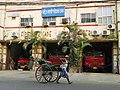 Kolkata, street scene (25055378862).jpg