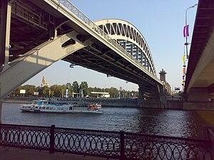 Krasnoluzhsky Bridge - Krasnoluzhsky Rail Bridge (left) with a road bridge next to it