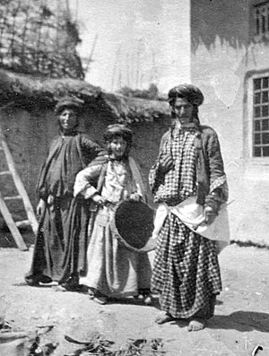 Mizrahi Jews - Kurdish Jews in Rawanduz, northern Iraq, 1905.