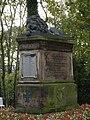 Löwendenkmal Roßleben.jpg