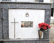 Lagostelle, cemiterio, nicho.JPG