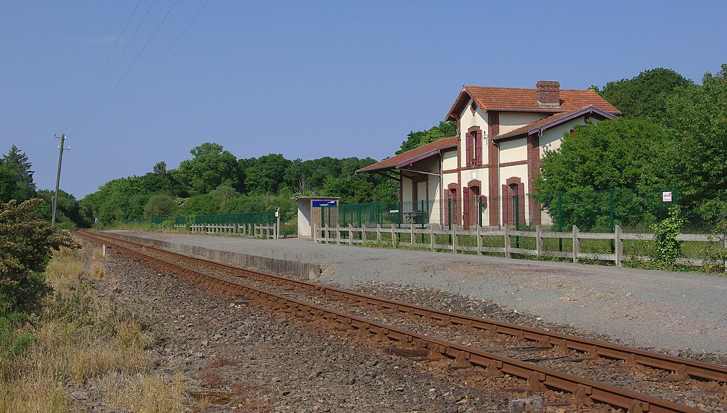 Station and platform of Lancerf, Côtes-d'Armor, France.