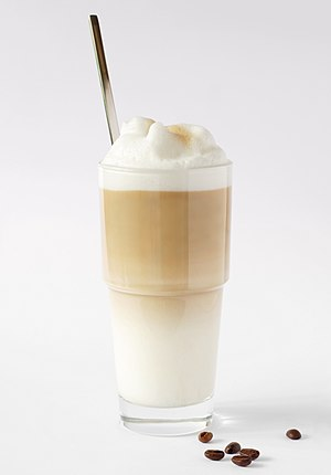 Latte - A glass of latte macchiato.