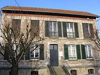 Le Perchay mairie.jpg