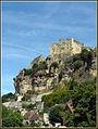 Le château de Beynac et sa falaise (Dordogne).jpg