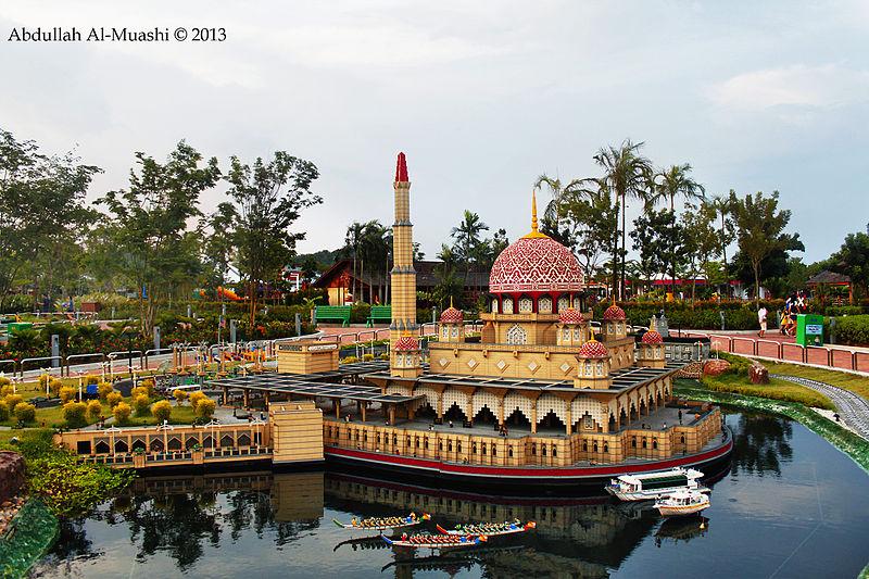 File:Legoland Johor Bahru, Malaysia (10607938743).jpg