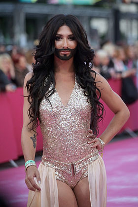Life Ball 2013 - magenta carpet Conchita Wurst.jpg