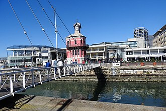 Victoria & Alfred Waterfront - Image: Lighthouse & Swing Bridge V&A Waterfront CT jeh