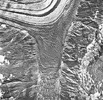 Lituya and Desolation Glacier, fragmented arm connecting glaciers, September 16, 1966 (GLACIERS 5600).jpg