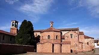 Santa Maria Maggiore, Lomello - View of the basilica complex.