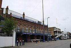 London Rowing Club, Putney Embankment (geograph 2106036).jpg