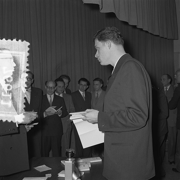 File:Loting Wereldschaakkandidatentoernooi Amsterdam, Bestanddeelnr 907-6611.jpg