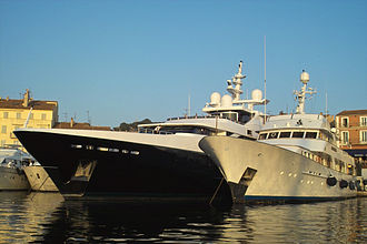 Luxury yacht - Two luxury yachts in Saint-Tropez.