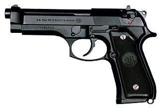 Beretta M9 - Image: M9 pistolet