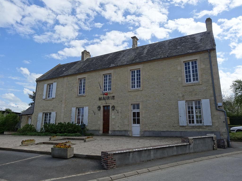 Mandeville-en-Bessin, mairie.JPG