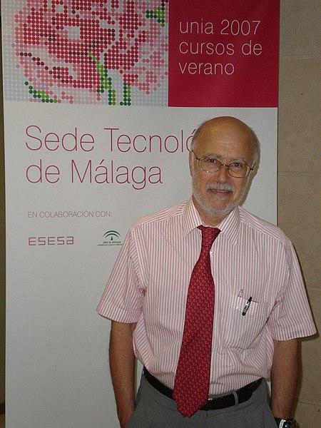 File:Manuel Toharia.jpg