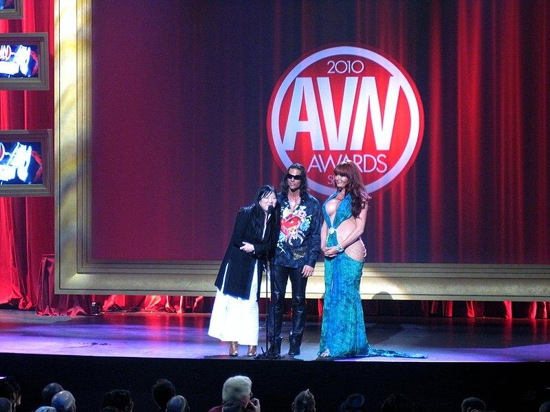 File:Margaret Cho, Nick Manning, Wendy Williams 2010 AVN Awards Show (1).jpg