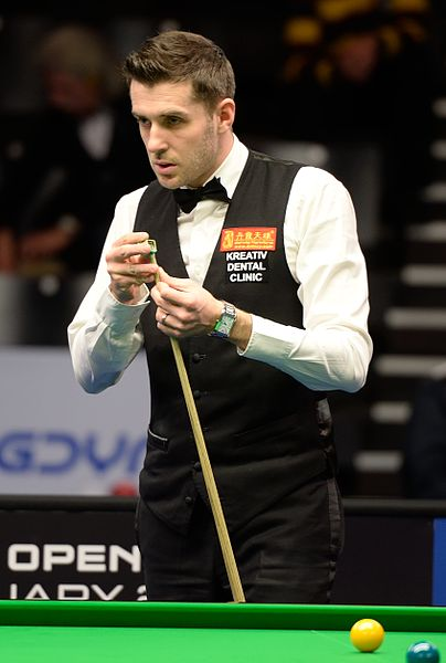 File:Mark Selby at Snooker German Masters (DerHexer) 2015-02-04 11.jpg