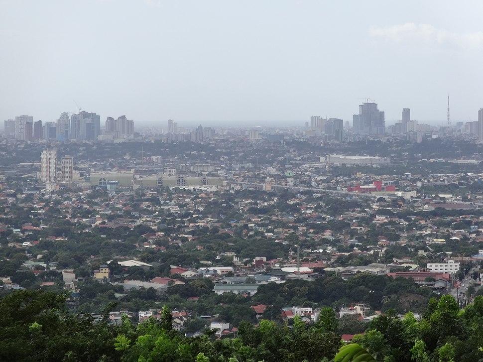 Metro Manila top view - Quezon City, Marikina and Cainta (Sumulong Highway, Antipolo, Rizal; 2017-01-01)
