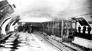 Paris Métro Line 3 - A 300-series Thomson at République in 1904