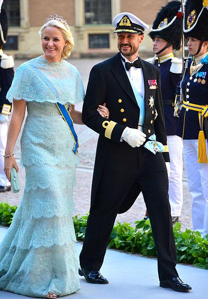 File Mette Marit Av Norge Haakon Magnus Av Norge Jpg Wikimedia