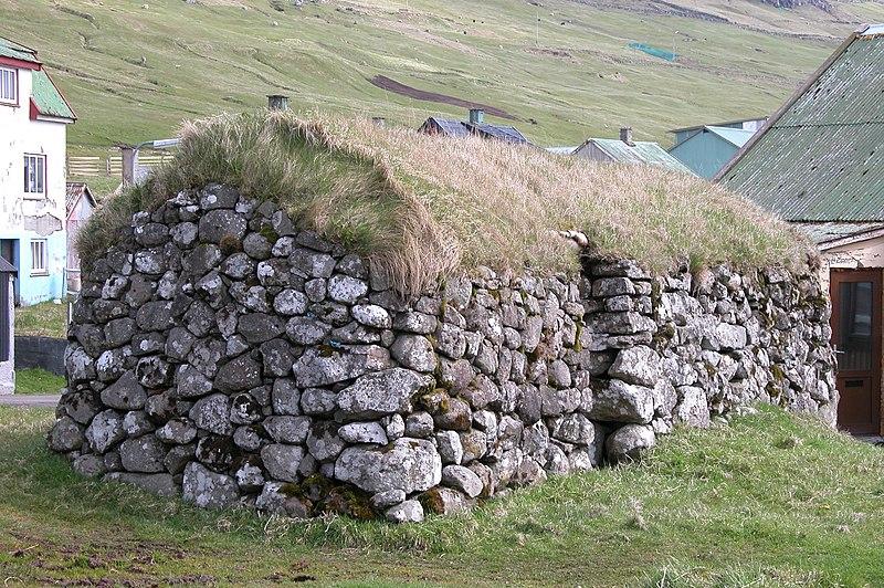 File:Miðvágur, Faroe Islands (3).JPG