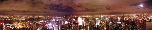 180°-Panorama, Manhattan vom Empire State Building bei Nacht