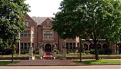 Minnesota Governor's Residence.jpg