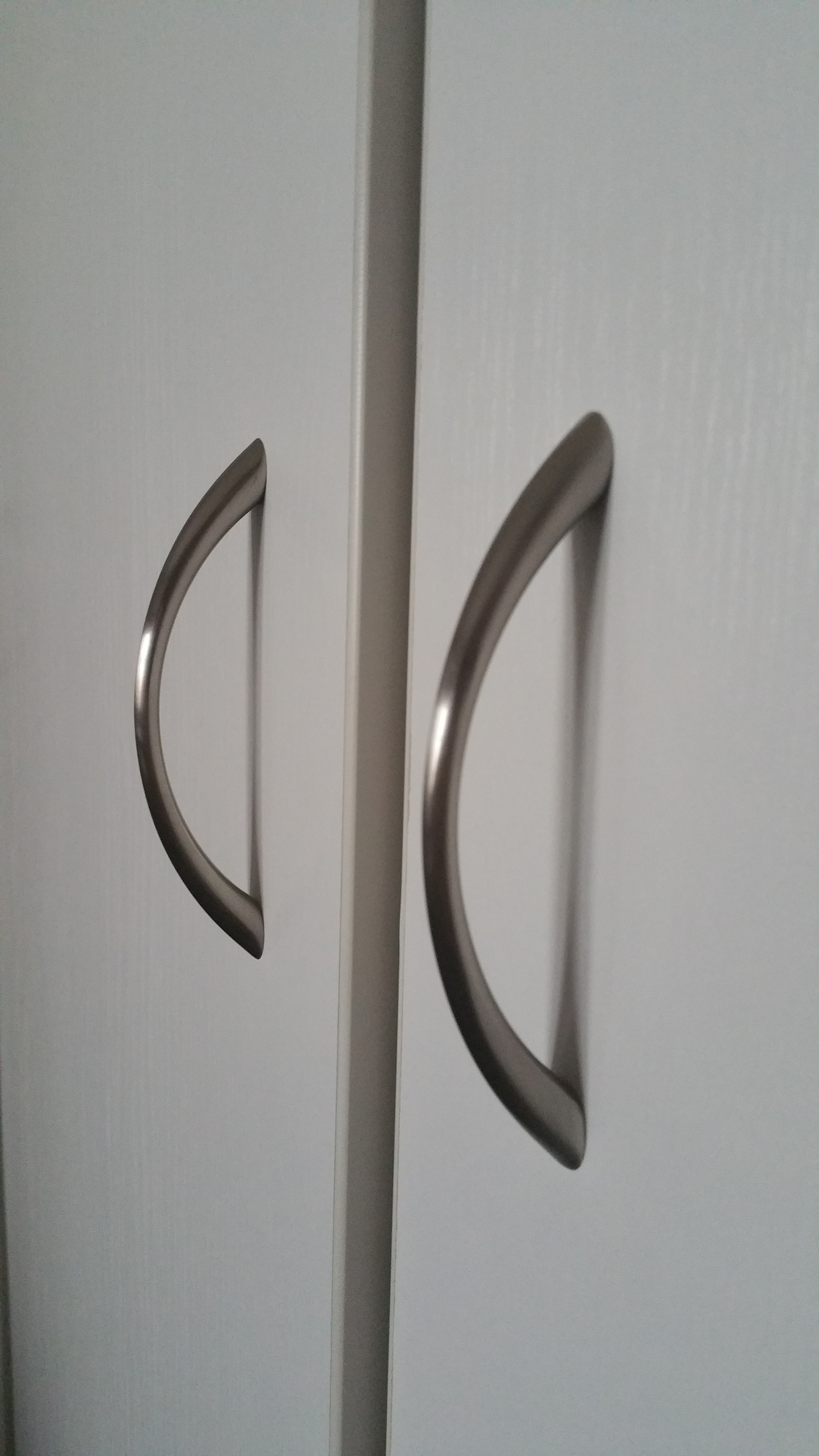 File:Modern Closet Handle