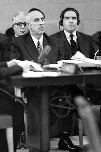 Hossein Fatemi - Fatemi with Mohammad Mosaddegh at the United Nations Security Council