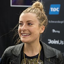 Molly, ESC2014 Meet & Greet 07 (crop).jpg
