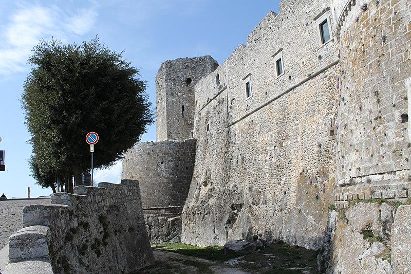 File:Monte Sant'Angelo - panoramio (31).jpg