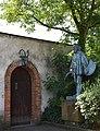 Monument of Jan Matejko (Polish painter), 2007 designed by Marian Konieczny, 29 Ukryta street, Krakow, Poland.jpg