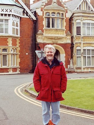 """Neil J. Gunther - Neil Gunther at Bletchley Park 2002   """"A quantum leap is neither"""""""