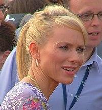 http://upload.wikimedia.org/wikipedia/commons/thumb/6/61/Naomi_Watts_King_Kong_premiere.jpg/200px-Naomi_Watts_King_Kong_premiere.jpg