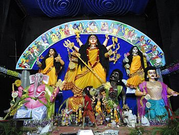 English: Maa Durga Idol at the Nashik Sarbojan...