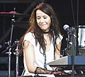 Nerina Pallot at Cornbury Music Festival (2006) (4).jpg