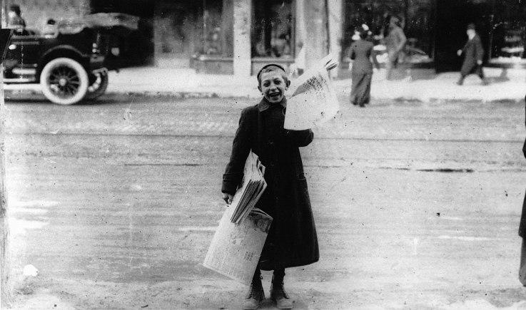 Newsboy in 1905
