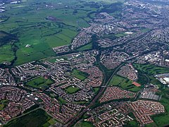 Newton and Cambuslang from the air (geograph 2988822).jpg