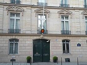 https://upload.wikimedia.org/wikipedia/commons/thumb/6/61/Norwegian_embassy_in_Paris.jpg/280px-Norwegian_embassy_in_Paris.jpg