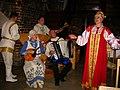Novgorod- Gruppo Folkloristico - panoramio.jpg