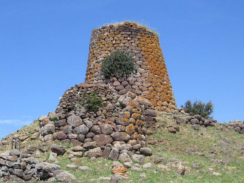 File:Nuraghi Nuradeo Sardinia.jpg