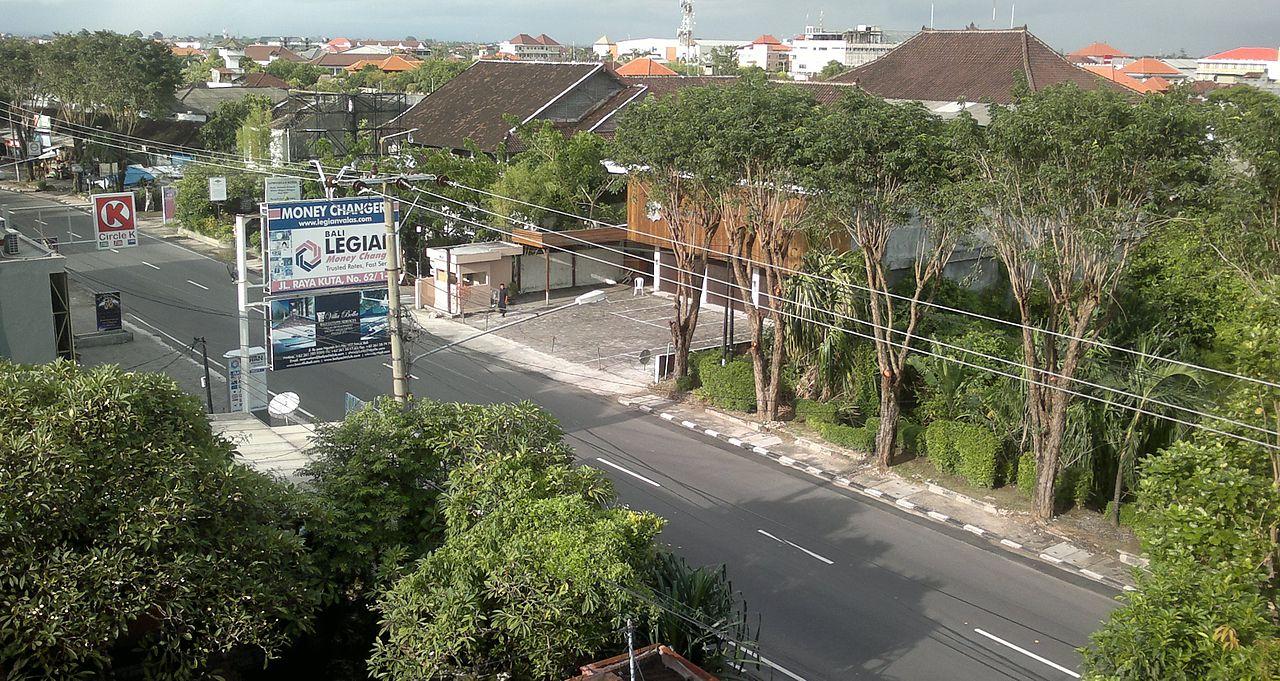 A deserted street at Nyep