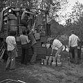 Obóz wyprawy (zwijanie obozu, pakowanie sprzętu do samochodu) - Obóz k. Sozopola - 002448n.jpg